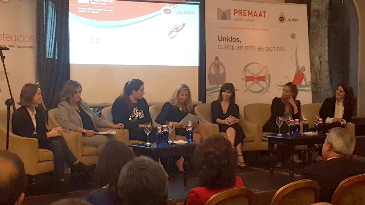 Ana Muñoz en la mesa redonda: «mujeres en entornos altamente competitivos»