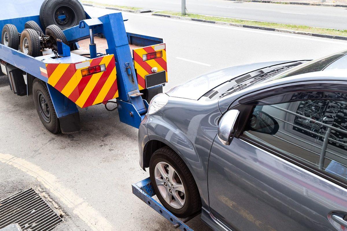 Ponce y Mugar correduría de seguros Madrid asesora: ¿El seguro de coche a todo riesgo o a terceros?