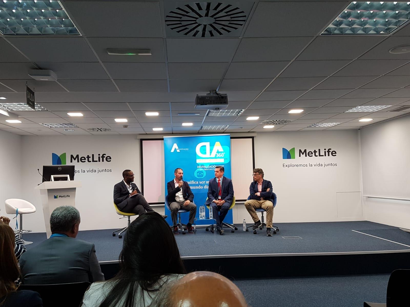 Carmelo Ponce vega, socio fundador de Ponce y Mugar correduría de seguros Madrid, participa en las jornadas de digitalización del sector de mediadores de seguros