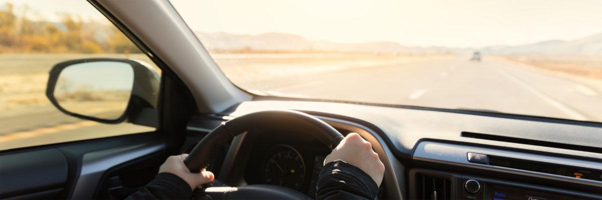 ¿Buscas un seguro de coche? Te llamamos o Calcula el precio de tu seguro de coche con Ponce y Mugar correduría de seguros